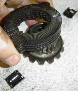 Clutch pack & spider gear in Dana 36 differential